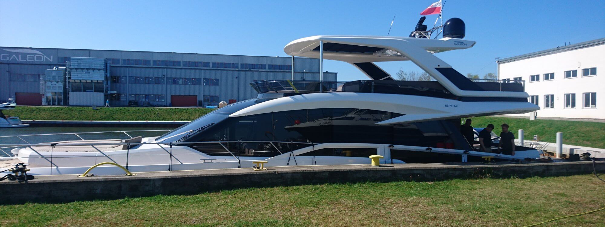 Crestapol<sup>®</sup> 1261 resin delivers exceptional strength & weight saving to the Galeon 640 FLY yacht
