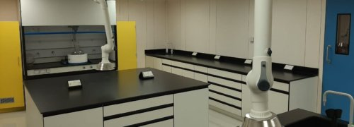 Crestafire<sup>®</sup> FST products used to refurbish cleanroom laboratory at Scott Bader Middle East